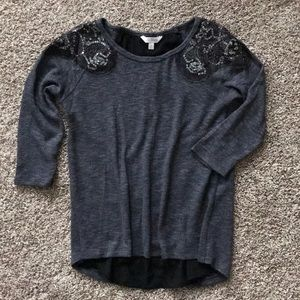 Sweater top. Size M.
